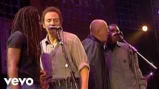 Смотреть клип Tracy Chapman, Bruce Springsteen, Peter Gabriel, Youssou N'dour - Get Up, Stand Up