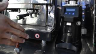 Налаштування помелу кави на кавомолці fiorenzato f64e