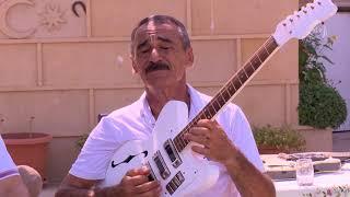 Rəhman Məmmədli  gitarada CANLI ifa (Bağ mövsumü) Resimi