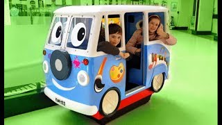 WHEELS ON THE BUS Song -Kids Fun Ride on Bus