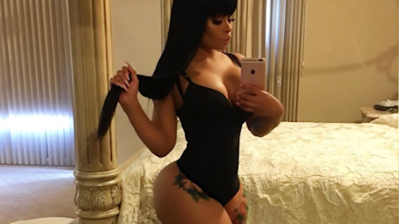 blac chyna shows more sexy post baby weight loss photos since dream kardashian birth tummy. Black Bedroom Furniture Sets. Home Design Ideas