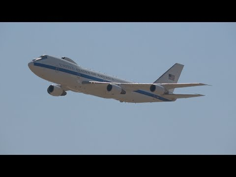 E-4B Flybys .. California Capital Airshow 2017 (4K)