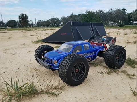 Arrma Kraton 6S BLX In The King Of The Bashers