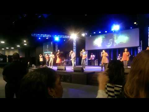 """Kimberly Michelle leading """"I Believe"""" (Johnell Nichols)"""