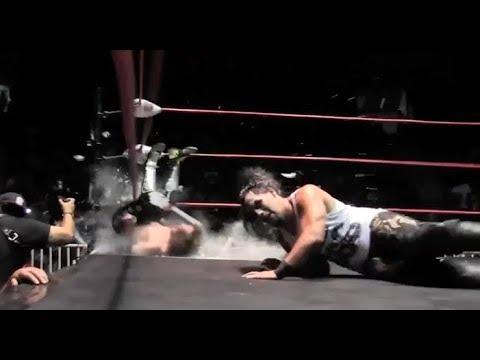 Jack Evans vs Bestia 666, mano a mano en The Crash Tijuana