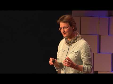 Climbing Everest: Insights into Teamwork & Leadership | Katja Staartjes | TEDxTwenteU