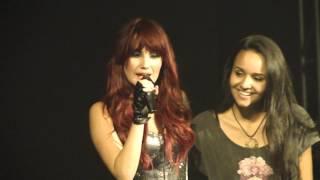 Dulce Maria invita fan para cantar No Pares - Belo Horizonte - Brasil