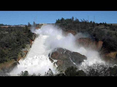 Nearly 200,000 people evacuated near California's Oroville Dam