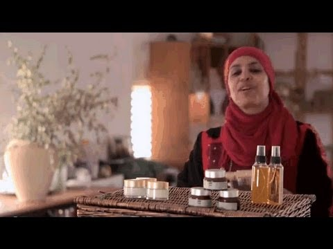 Israel Presents - The First Bedouin Cosmetics Label In The World
