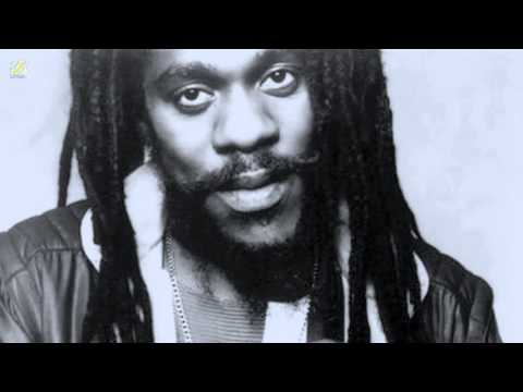 Silver Words - Dennis Brown (HQ Audio)