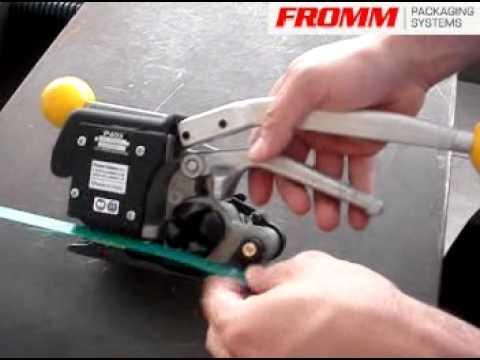 最耐用的塑帶手提咬扣式打包機 P403【FROMM 富朗包裝】專業生產.mpg - YouTube