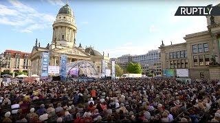 «Хор Турецкого» исполняет военные песни в Берлине