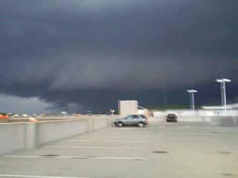 Tornado over Discover Mills in Gwinnett County in GA