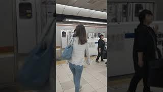 東急東横線・横浜高速鉄道みなとみらい線横浜駅のホームドア(スマホで撮影)