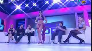 Repeat youtube video Desfile FRUIT DE LA PASSION no programa Superpop 08 de junho de 2011