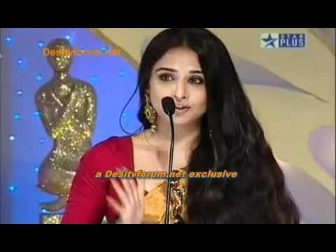 Diva Rekha  at star screen awards 2010.mpg