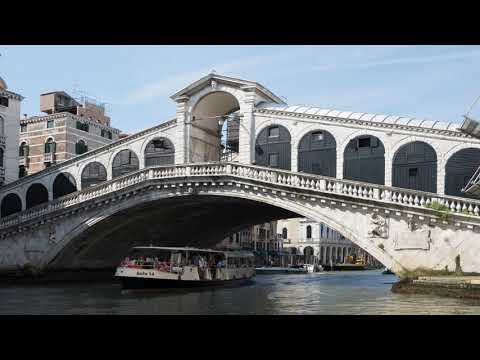 News Update UK tourist in Venice hands big euro find to police 18/09/17