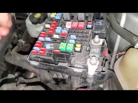 2007 Chevy Equinox Starter Fuse and Relay Fuel pump Fuse and Relay Location