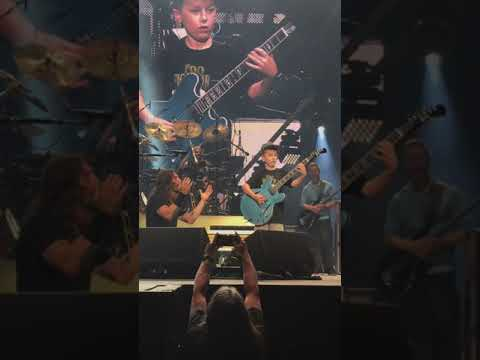 Ken Payne - 10-Year-Old Kid Gets On Stage With Foo Fighters And Kills It