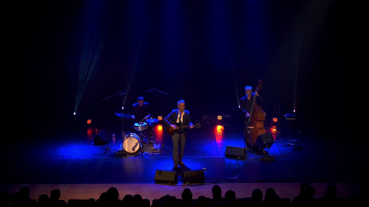 Nicolas MORO : Louise (Live)