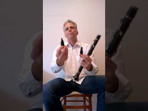 Presentation of a vintage C. Kruspe e-flat clarinet