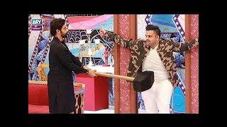 """Faysal Qureshi, Ayaz Samoo, Faizan, Naveed Raza & Aadi playing """"Hang Man"""""""