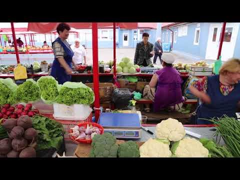 Belarus Minsk Market / Bielorussie Minsk Marché aux fruits