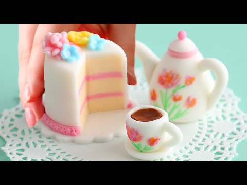 The Tiniest Tea Party Cake