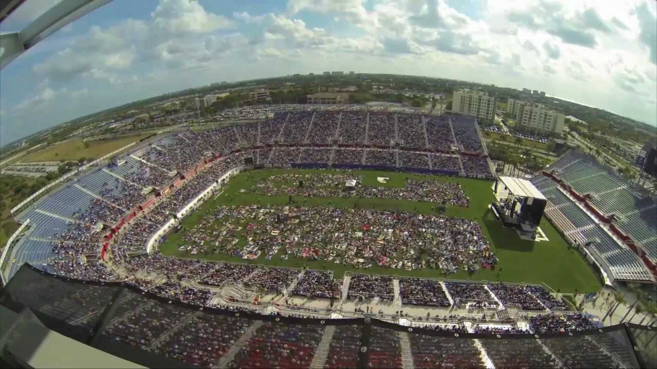 Calvary Chapel Fort Lauderdale Easter Service 2013 at FAU ... Praise And Worship Music Images