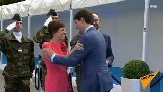 Премьер Канады бросился обнимать жену бельгийского премьера на саммите НАТО