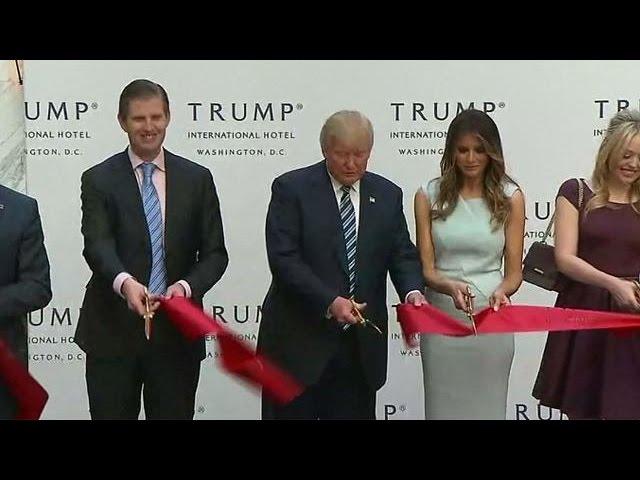 США: Трамп открыл отель, Клинтон встретилась с избирателями - world