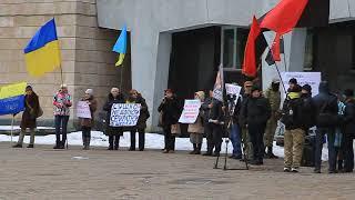 Активисты потребовали от Филатова вести сессию по-украински
