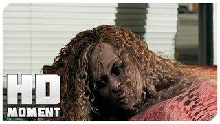Начало эпидемии в Ракун-сити - Обитель Зла 2: Апокалипсис (2004) - Момент из фильма