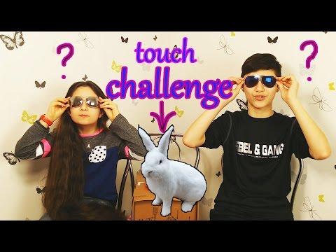 CHALLENGE!! QU'EST CE QUE JE TOUCHE?? WHAT I TOUCH??