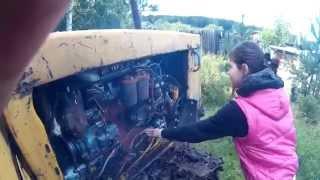 ДТ-75. Продолжаю начальное обучение девушки профессии тракториста