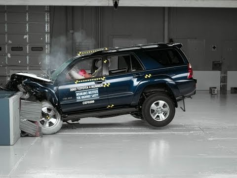 2003 Toyota 4Runner moderate overlap IIHS crash test