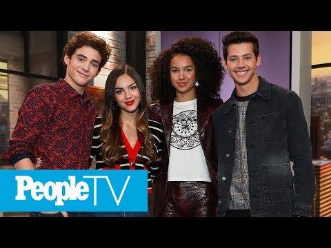 'High School Musical: TMTS' Cast Test Their 2006 Music Trivia | PeopleTV