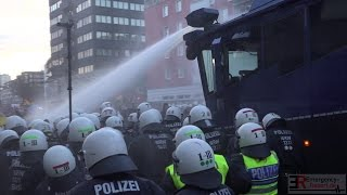 [PEGIDA-DEMO ESKALIERT] - Wasserwerfer eingesetzt | Böller & Flaschen geworfen | Polizei Großeinsatz