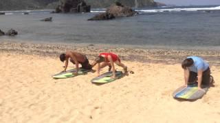 Урок серфинга в школе Пураран