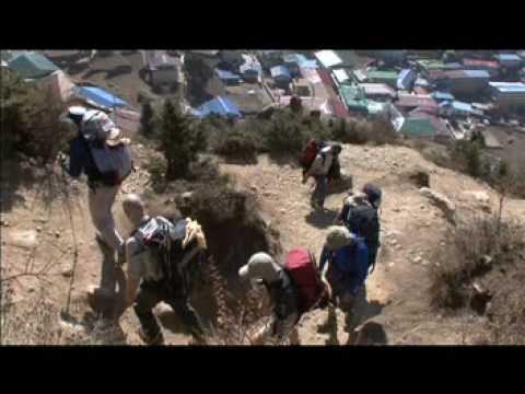 Peter Duncan walking towards Everest