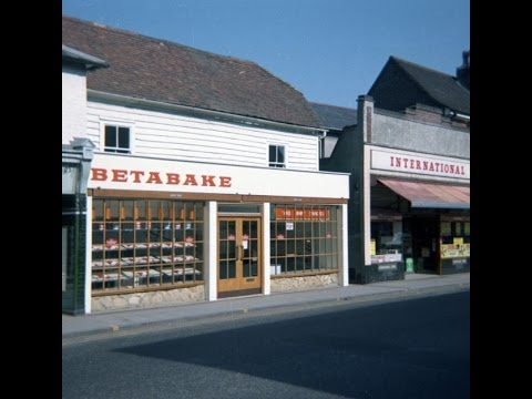 Rainham Kent in 1970s and 2014 - Old Photos of Life in 1970s Compared to Now