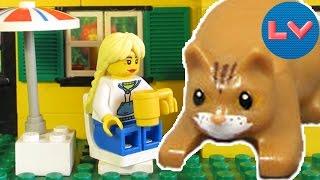Типичный кот (кошка)  - Lego Версия (Мультфильм). Cat vs. Girls. lego animation.