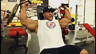 Phil Heath's Shoulders Workout 8 Weeks Out Of Mr. Olympia 2015
