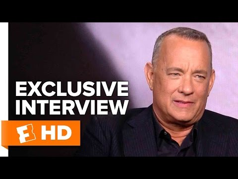 Tom Hanks & Aaron Eckhart Exclusive 'Sully' Interview (2016)