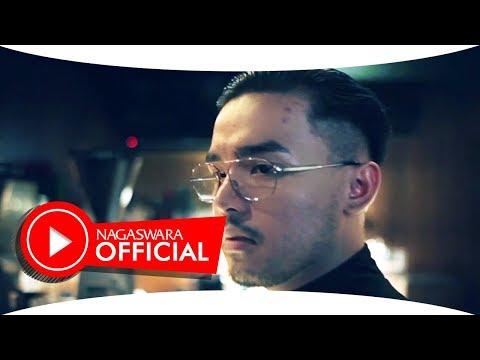 Febrian - Pura Pura Cinta (Official Music Video NAGASWARA) #music