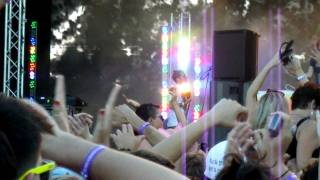 Example ft Dj Wire - Field Day 2012 - She changes the way you kiss me