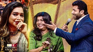JAYAM RAVI: Mamiyar Marumagan SUPER FUN on Stage! | Sujatha Vijayakumar | Galatta Debut Awards