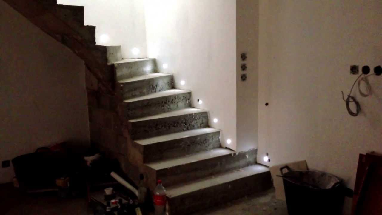 Eclairage led escalier youtube for Eclairage a led exterieur