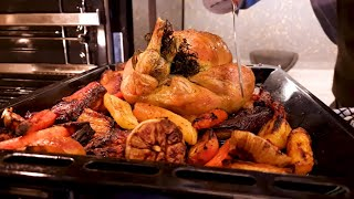 Infinite Line™ - How to steam and roast a chicken with Michel Roux Jr. | Samsung
