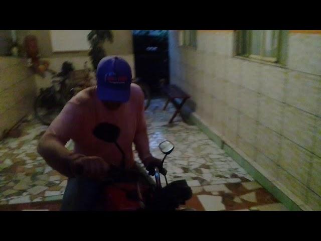 Motoqueiro maluco treinando na area